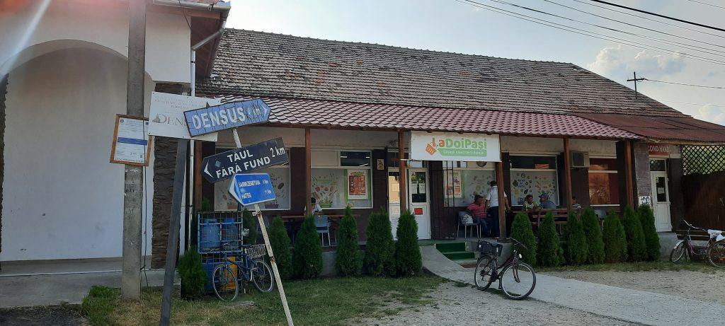 centrul satului pesteana